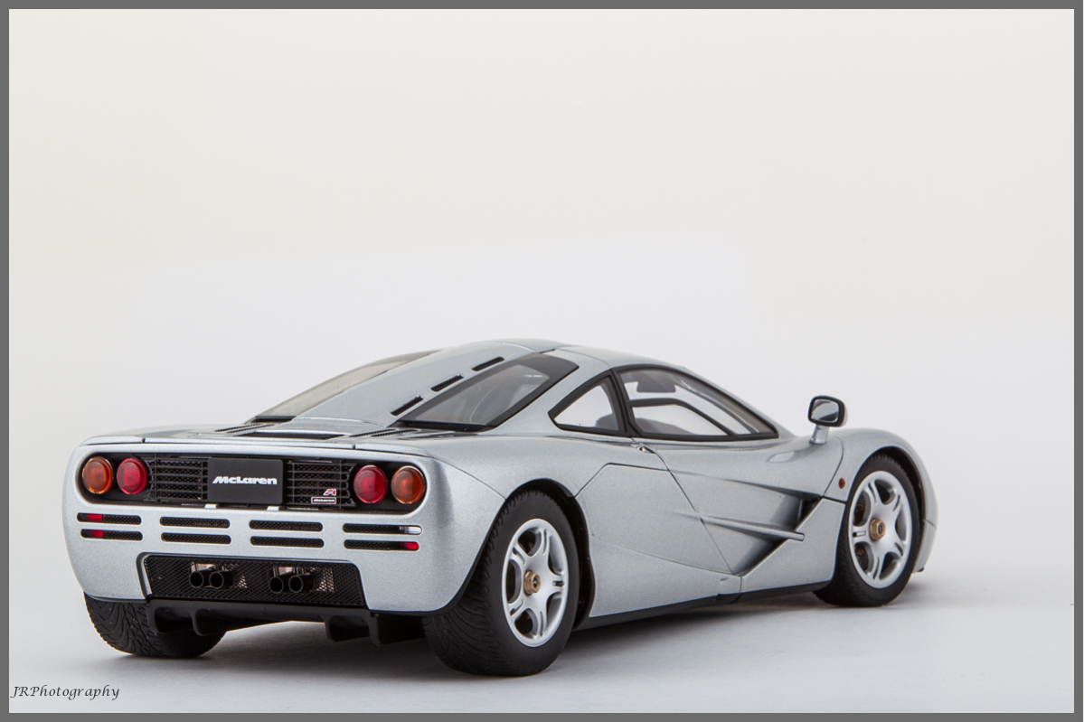 1 18 autoart mclaren f1 mclaren. Black Bedroom Furniture Sets. Home Design Ideas